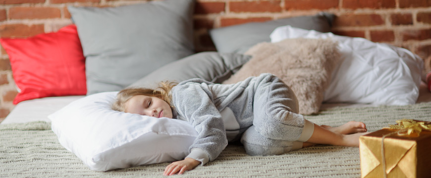 9 tips for helping your kids get to sleep on christmas eve lull - How To Go To Sleep On Christmas Eve